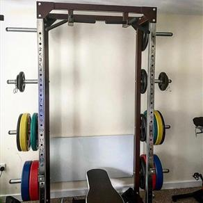 A-Unit Half Rack with Plate Storage and Four Way Chin Bar